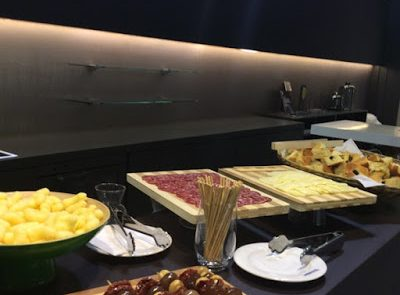 Catering Fiere Atmospherae Bologna stand Duravit buffet alto livello