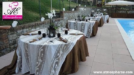 tavoli apparecchiati per il matrimonio